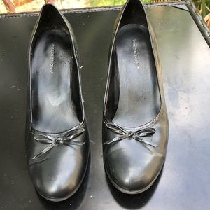 black heels with bow tie women's size 8 1/2